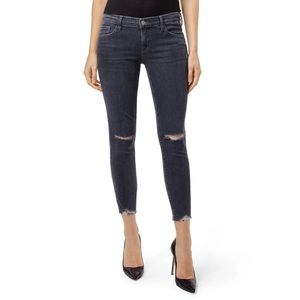 J Brand Low Rise Cropped Skinny in Ashes Destruct